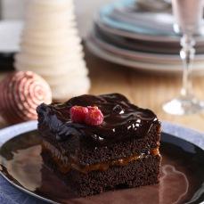 """Time to Party"" Holiday Chocolate Cake with Rosé Sparkling Wine #orsolaciriellokogan #simonascarone #rosangelagiannoccaro"